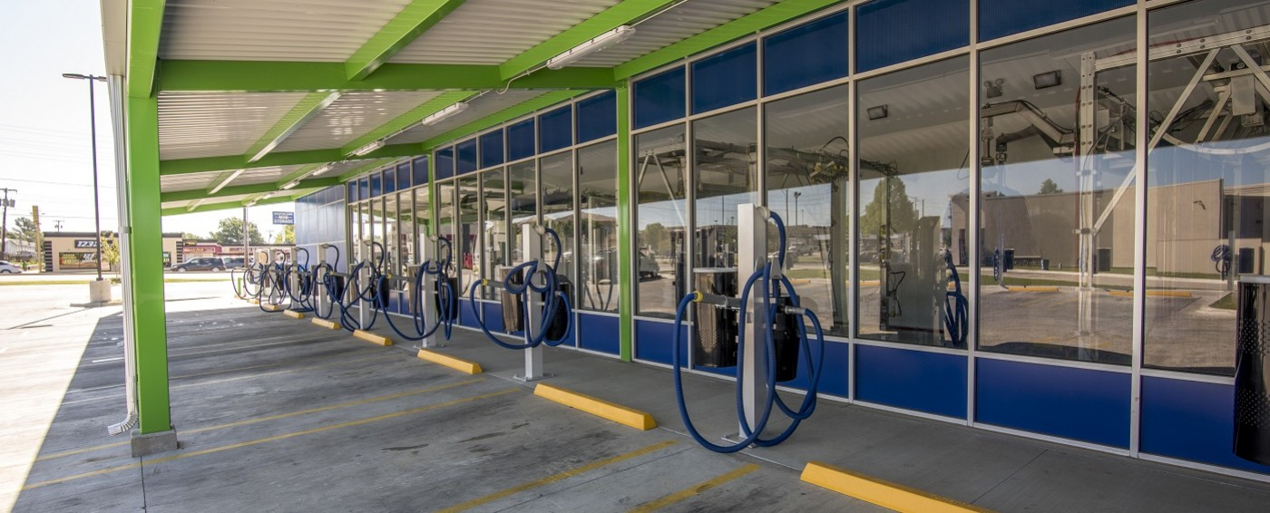 Clear blue express tulsas favorite car wash covered vacuums to stay out of the oklahoma heat solutioingenieria Image collections