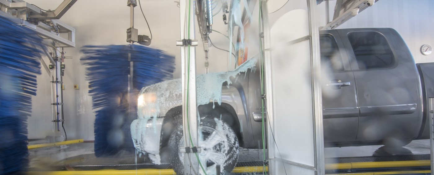 Clear blue express tulsas favorite car wash we only use the highest quality soaps to wash your vehicle solutioingenieria Gallery